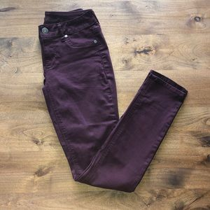 MAURICES JEGGINGS. JEAN FLEX JEGGING IN MAROON.